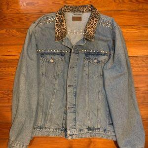 Denim jacket with animal print collar and studs